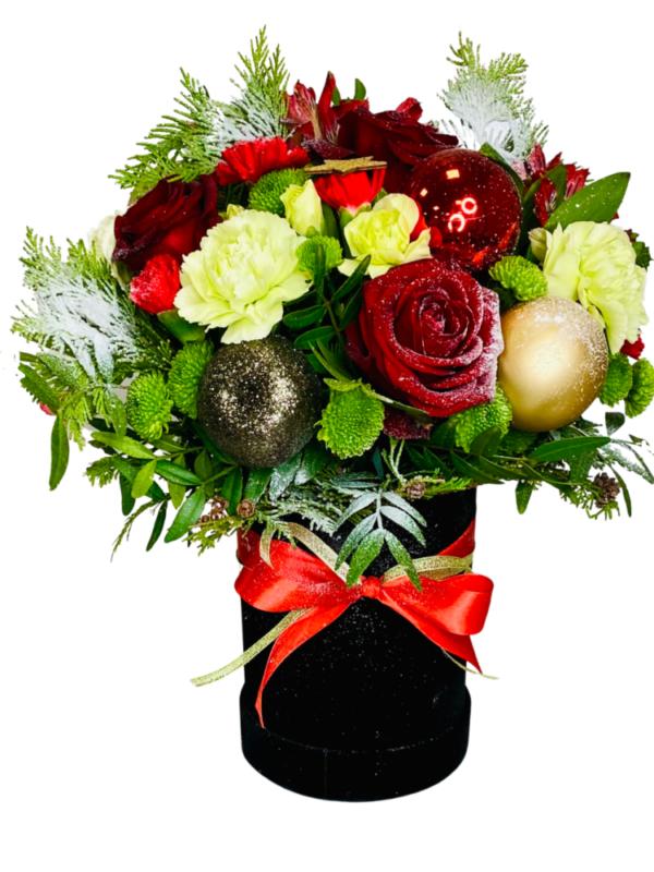 kwiaty w pudełku, świąteczny box kwiatowy z dostawa za 0 zł, florystyczna poczta,kwiatow przesyłka Sosnowiec